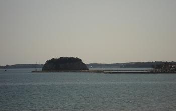 20090917 のと恋路号3見附島2.JPG