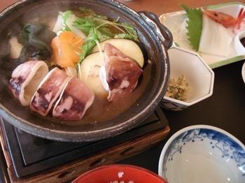 20090917 のと恋路号4いしる鍋定食.JPG
