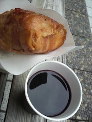 20100328 肉巻おにぎり&ホットワイン.JPG