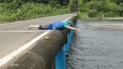 20110717 13佐田沈下橋6s.JPG