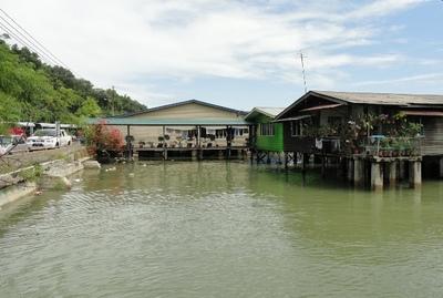 20110812 4サンダカンSimSim水上集落14.JPG