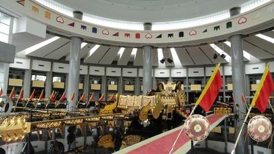 20110813 5ブルネイ王室資料館3.JPG