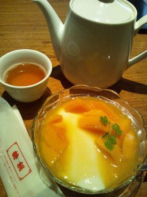 20120729 糖朝マンゴー入り杏仁豆腐.JPG