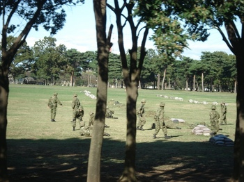 20091027 朝霞駐屯地歩伏前進2s.JPG