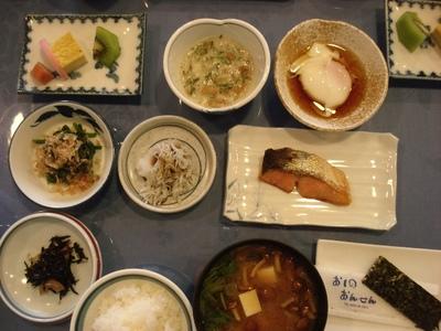 20100516 0忍野温泉朝食.JPG