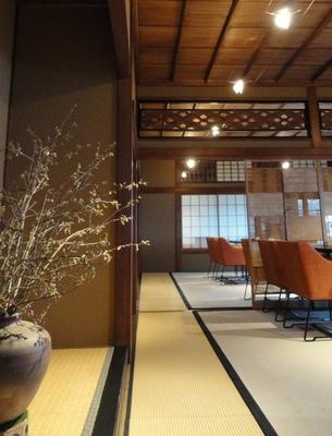 20110326 10ダイニング夕食.JPG
